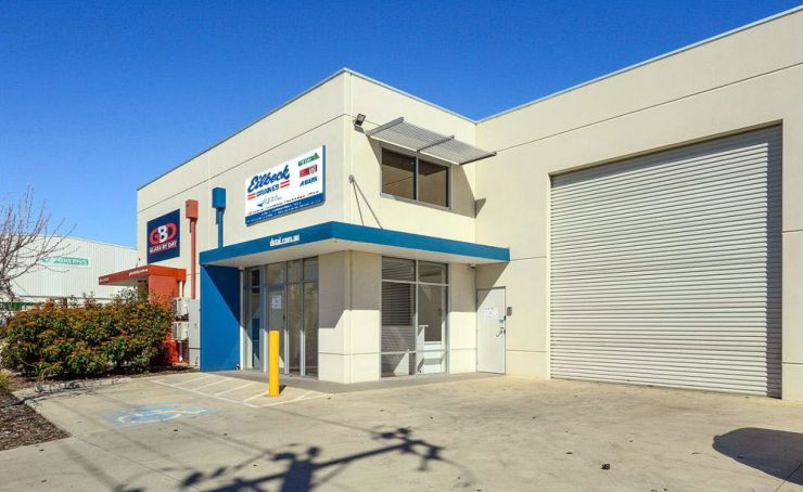 Adelaide crane service
